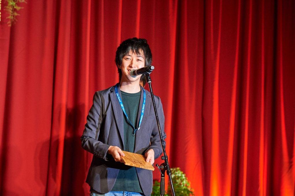 ちなみに、これは僕がLike!Awardを取った時の写真です